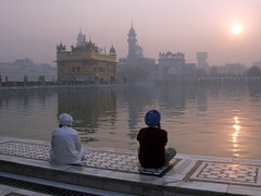 Golden Temple, Amritsar, Punjab, India (balavenise) Tags: people favorite sun india sunrise temple sitting god prayer religion selection east sit fav sikh punjab seated amritsar assis dieu inde believer yourfavorites harmandirsahib prire peoplesitting soleillevant slection penjab croyance sikhisme theharimandirsahib flickrlovers morethan10fav