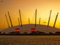 Dome Sunset (Bradley Haigh) Tags: london docks samsung millenium arena 02 dome docklands riverthames eastindiadock l730