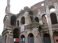 Roma - The Colosseo (*Checco*) Tags: city italy rome roma italia amphitheatre colosseum coliseum romanempire lazio città colosseo anfiteatro urbe flavianamphitheatre cittàeterna eternalcity imperoromano anfiteatroflavio caputmundi