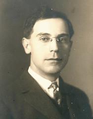 Business executive c 1920's USA portrait rl hs pz (pince_nez2008) Tags: portrait nose glasses eyeglasses eyewear eyeglass pincenez noseclip youngmenwearingpincenez noseeyeglasses noseclipglasses