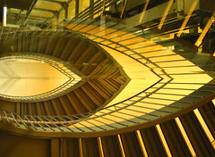 (leopanta*) Tags: stair reflection leopanta shoppingcenter canonpowershotg2 berlin abstract 2008 obliquemind greenmonstersgroup freshminds riflesso mywinners haphazart rhizome