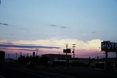 (maciel massa) Tags: road sunset cloud hotel motel estrada nuvem