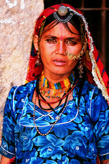 portrait femme rajasthan (ichauvel) Tags: portrait woman india asia femme asie rajasthan regards inde yeuxclairs
