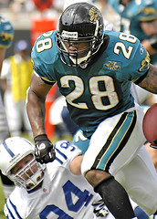 Fred Taylor (Miro-Foto) Tags: 2004 sports football nikond70 action indianapolis nfl taylor fred jacksonville colts jaguars