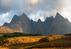 Torres del Minginish (tanera) Tags: mountains skye clouds contrast photoshop scotland colours bluesky cliffs cumulus cuillins soe anywhere hillfarm diamondclassphotographer wwwtaneracouk httptaneracouk