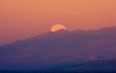 moonSet,Ca (HVargas) Tags: california morning sunset sky sun riversidecounty platinumphoto canoneos40d canon40d canonef28300mm13556lisusm