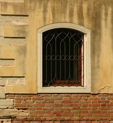 Windows of Italy (Kathy~) Tags: venice windows italy hp cw fc 2007 photofaceoffwinner pfogold challengew