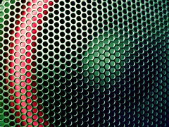 Speaker (Nolacomas) Tags: red urban music abstract black macro texture textura colors metal night noche rojo waves technology mesh negro vinyl x colores pop turntable 1600 stereo finepix sound speaker contraste fujifilm urbano scratch 3200 música 800 nite vinilo malla highiso f50 6400 skratch f50fd