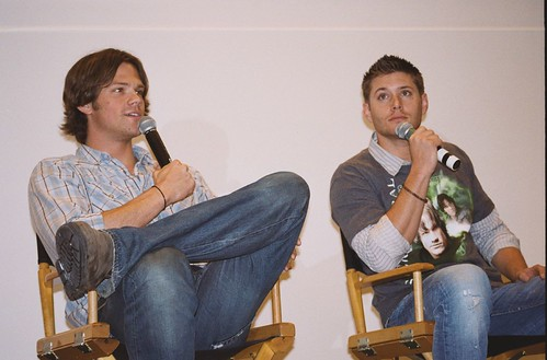Jared Padalecki Jensen Ackles Chicago Supernatural Creation Convention 2007 009