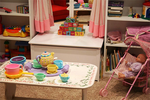 playroom, middle