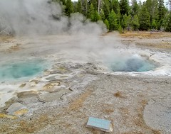 Spasmodic Geyser Oct 15, 2011, 11-032_edit (krossbow) Tags: uppergeyserbasin yellowstonenationalpark photolemur