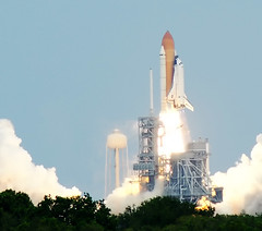 STS-125 Space Shuttle Atlantis launch (Matthew Simantov) Tags: nasa atlantis kennedyspacecenter spaceshuttle shuttlelaunch sts125 launchpad39a