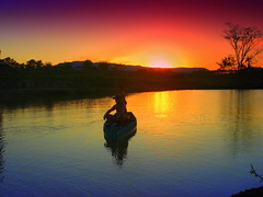 Contra Luz - Cores Vibrantes! (andreadeynha) Tags: pordosol sun sol nature contraluz barco natureza views sitio bote entardecer eow 10000views cameradeourobrasil andreadeynha sitiodasogra