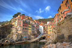 Riomaggiore (secretsamba) Tags: ocean sea italy mountains water boats nationalpark bravo colorful italia bluesky explore cinqueterre hdr italie riomaggiore costal laspezia 3xp cotcmostfavorited d80 abigfave 1020mmf456exdc secretsamba COTC:mostinteresting= leuropepittoresque