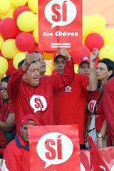 Hugo Chavez en la Tarima
