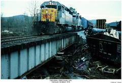 L&N SD40-2 3566 & SD40 1243 (Robert W. Thomson) Tags: railroad train georgia diesel crash railway trains locomotive trainengine fairmount wreck wrecked ln derailment emd sd402 sd40 louisvillenashville gordoncounty sixaxle ln3566 chattahoocheeindustrialrailroad gordoncountygeorgia