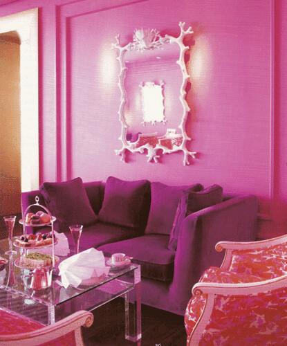 ديكور باللون الوردي