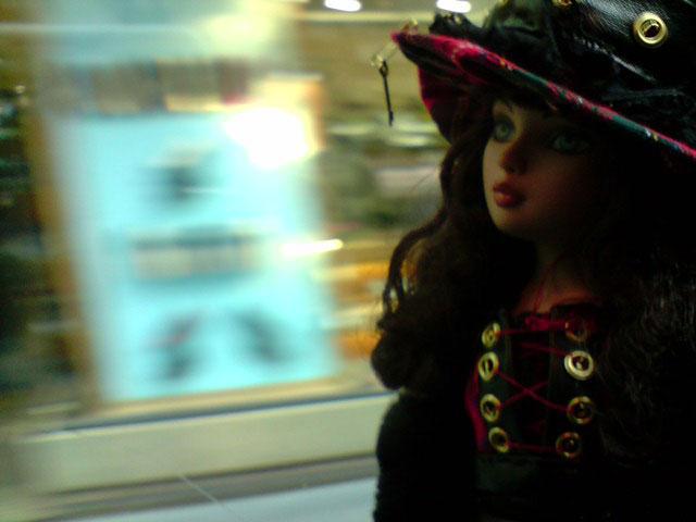 Sarah joue les touristes en solo à Paris 2302226577_546e0a6db8_o