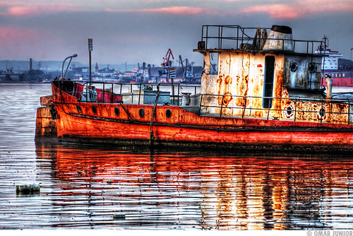 Rusty Boat 2 (Cais do Porto)