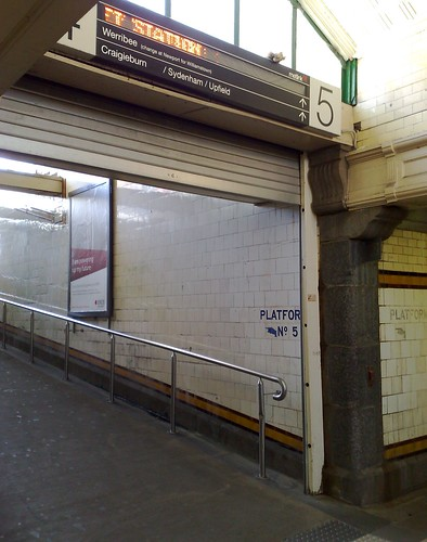 POTD: Automated signs at Flinders Street - way out of sight, and never saying anything useful