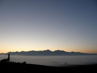 晨霧中的富良野盆地