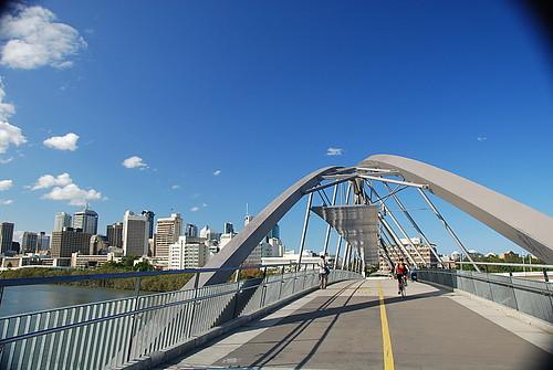 Goodwill Bridge, a ponte da Boa-Vontade, em Brisbane na Austrália