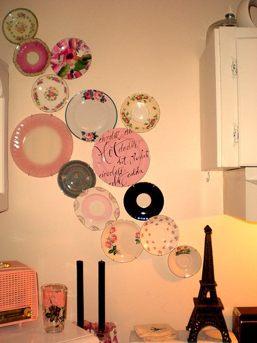 Pin It On Pinterest Undefined Plate Collage How To Decorate Walls Without Painting