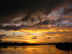 Iloilo River, Iloilo City, Iloilo Province, Philippines (hn.) Tags: sunset sky copyright cloud water clouds river evening abend asia asien heiconeumeyer seasia soasien southeastasia sdostasien wasser sonnenuntergang dusk philippines himmel wolke wolken pi dmmerung fluss visayas iloilo pilipinas philippinen abendrot copyrighted thephilippines panay iloilocity panayisland westernvisayas westvisayas iloiloriver tp0708 iloiloprovince iloilotown cameraonbridgefromdowntowntodiversionroadmandurriaosmallvilleairport iloilofluss