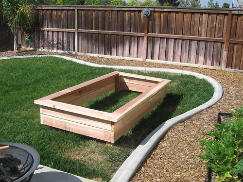 Michelleys Belly Blog Archive Raised Garden Box