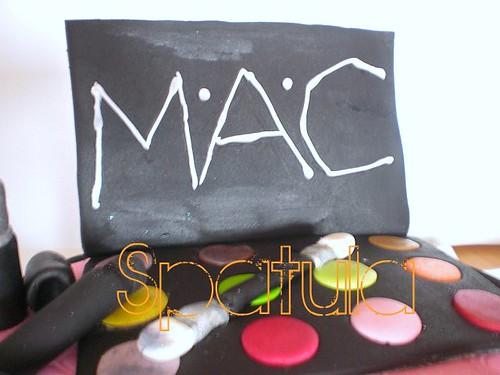 Makyaj Malzeme Temalı Pasta 2 - M.A.C by Demetin spatulasi