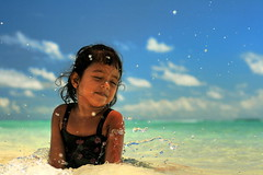 The little mermaid (maapu) Tags: sea fab sky nature girl children island child lagoon mermaid maldives thelittlemermaid guraidhoo canon400d maapu mauroof mauroofkhaleel raushaan kguraidhoo