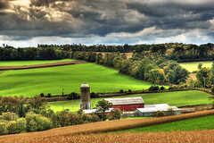 Up In The Valley (~EvidencE~) Tags: trees green this farmland valley land fields hdr redbarn discoverontariofalltour07 locationbewdleyontario