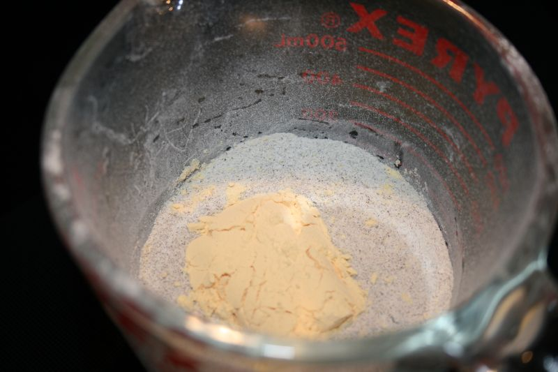 Powdered eggs in the dry mix