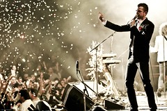 Brandon Flowers - The Killers (JMaloney) Tags: losangeles concert livemusic bands gibson thekillers brandonflowers kroqalmostacousticxmas