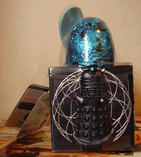 DR WHO EGG CUP - Dalek Side