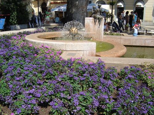 fontana u plavom