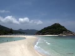 Beach - Nang Yuan Island, Thailand (_takau99) Tags: trip travel beach topv111 pen landscape thailand island topv555 topv333 topv444 may olympus topv222 tao kohtao kohnangyuan kotao nangyuan konangyuan 2011 takau99 penlite epl1