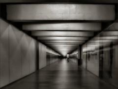 Vanishing in vanishing point / Fuga