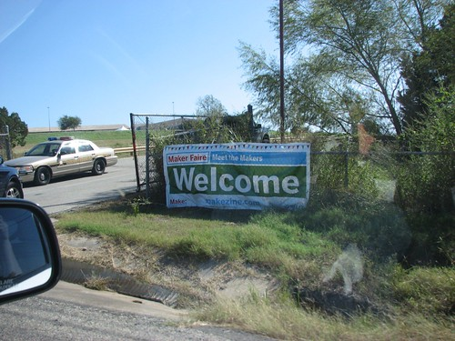Picture of the entrance banner to the Maker Faire: it says 'Welcome'