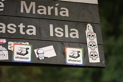 Mara asta Isla (medialunadegrasa) Tags: street art polaroid sticker juancarlos sinalley