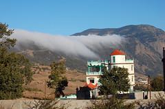 Montains house (Ricardo Azevedo tsol) Tags: casa nuvens montanhas marrocos