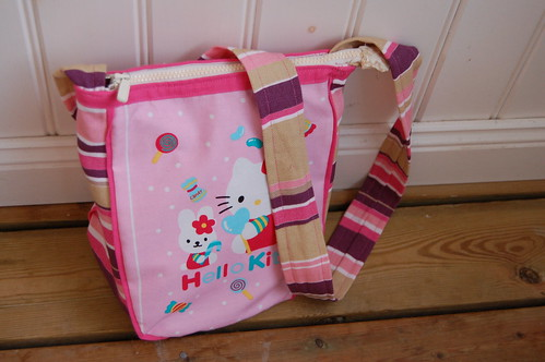 My very pink Hello Kitty handbag