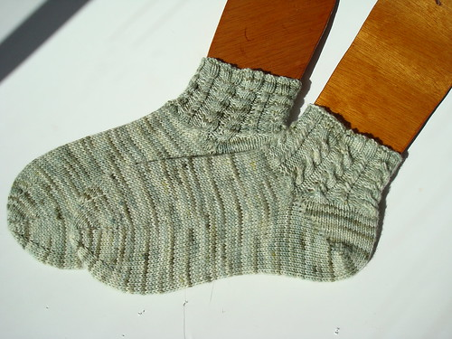 Not so Plain socks FO 007