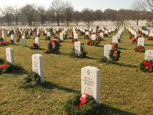Graves and wreaths in Arlington National Cemetary