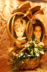 Harrods Di and Dodi (Paul Saxton) Tags: food london memorial royal harrods ladydi princessdiana dodialfayed mohamedalfayed
