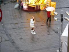 淋雨中的正妹