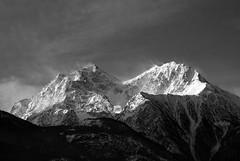 guido, mi fermo, scatto (budiulik) Tags: montagne bn neve inverno biancoenero monti valledaosta