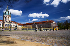 Schloss Charlottenburg in Berlin (andreea_gerendy) Tags: trees people berlin castle clouds yard germany deutschland place capital sunny visit tourists april newhome baroque orton charlottenburg newbeginning schlos lookingforaflat canoneos400d platinumheartaward andreeagerendy anticando fantasticday andveryverytired gettyimagesgermanyq1