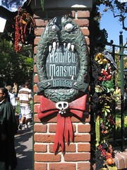 The Haunted Mansion Holiday placard. (09/30/07)