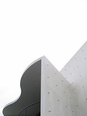 (lostghostrobot) Tags: white concrete theater bright theatre gray hell grau form wei darmstadt beton staatstheater